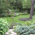 lawn garden Montreal Quebec Gardens July 2006 041